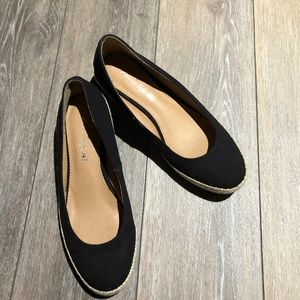 American Eagle size 7.5 Black canvas shoes